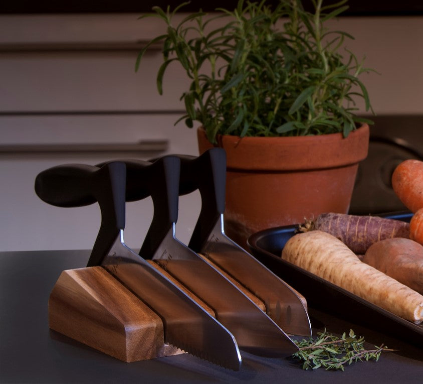 3 knives + knife block