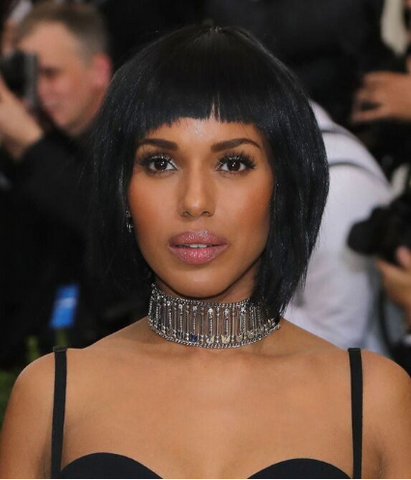 Moon and Lola - Kerry Washington's safety pin choker