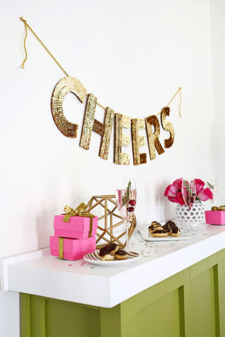 moon and lola diy sequin holiday garland how to