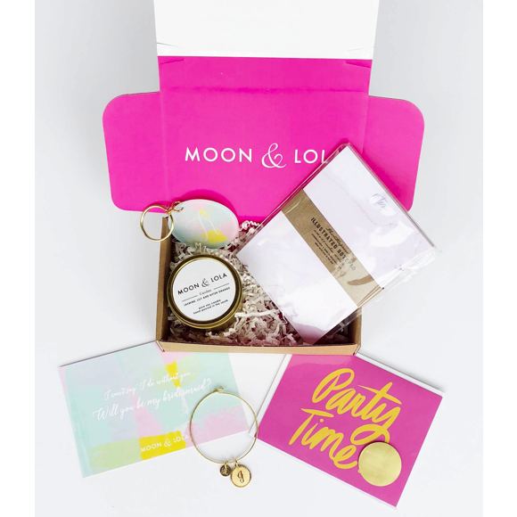 Moon and Lola medium bridesmaids box