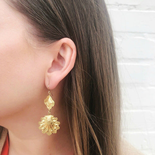 Moon and Lola - Benin Shell Earrings in gold