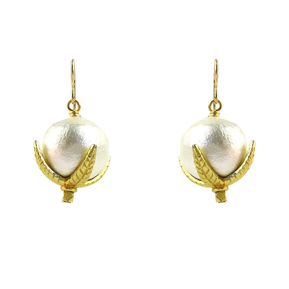 Moon and Lola - Levi Round Cotton Pearl Earrings