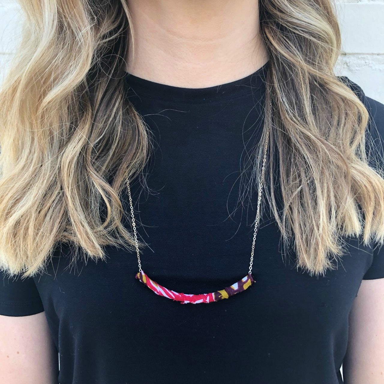 Moon and Lola - Azaza Slide in Pink on Apex Chain Necklace