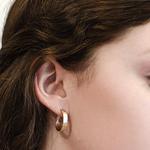 Moon and Lola - Kent Hoop Earrings gold with hinged clasp