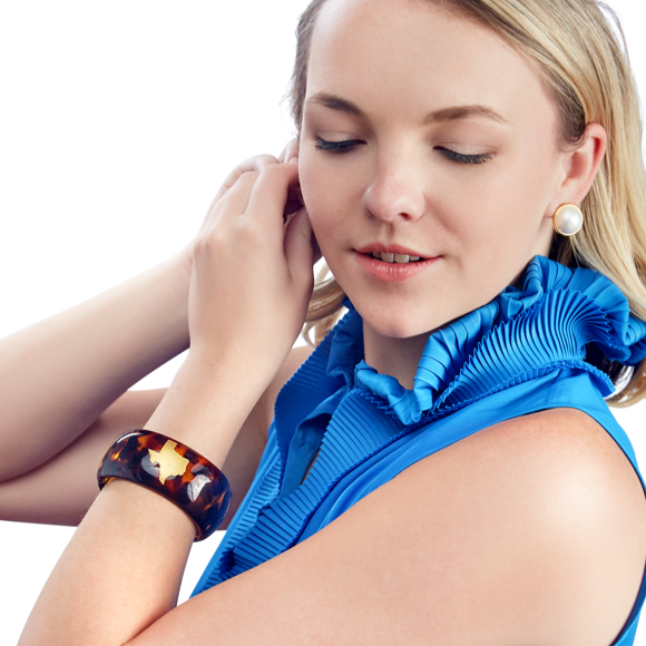 Moon and Lola - Tortoise Bangle with State Silhouette