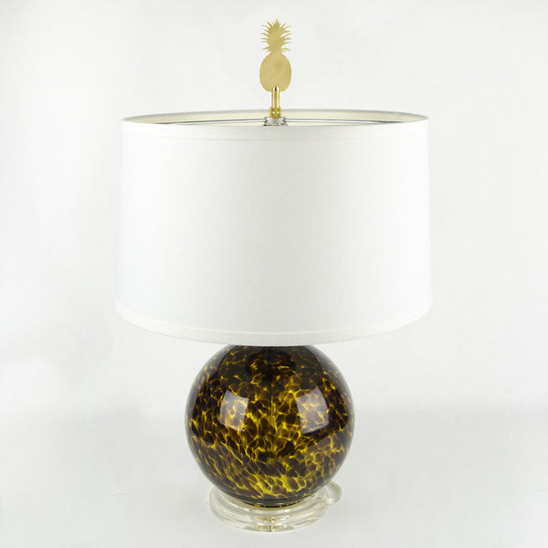I found this at #moonandlola! - Pineapple Finial on lamp