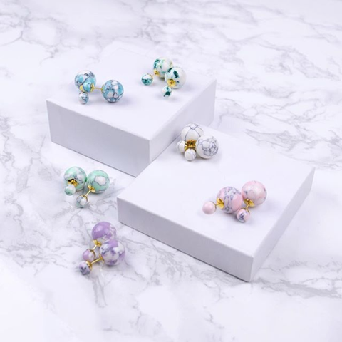 Moon and Lola - Savona Marble 360 Studs White