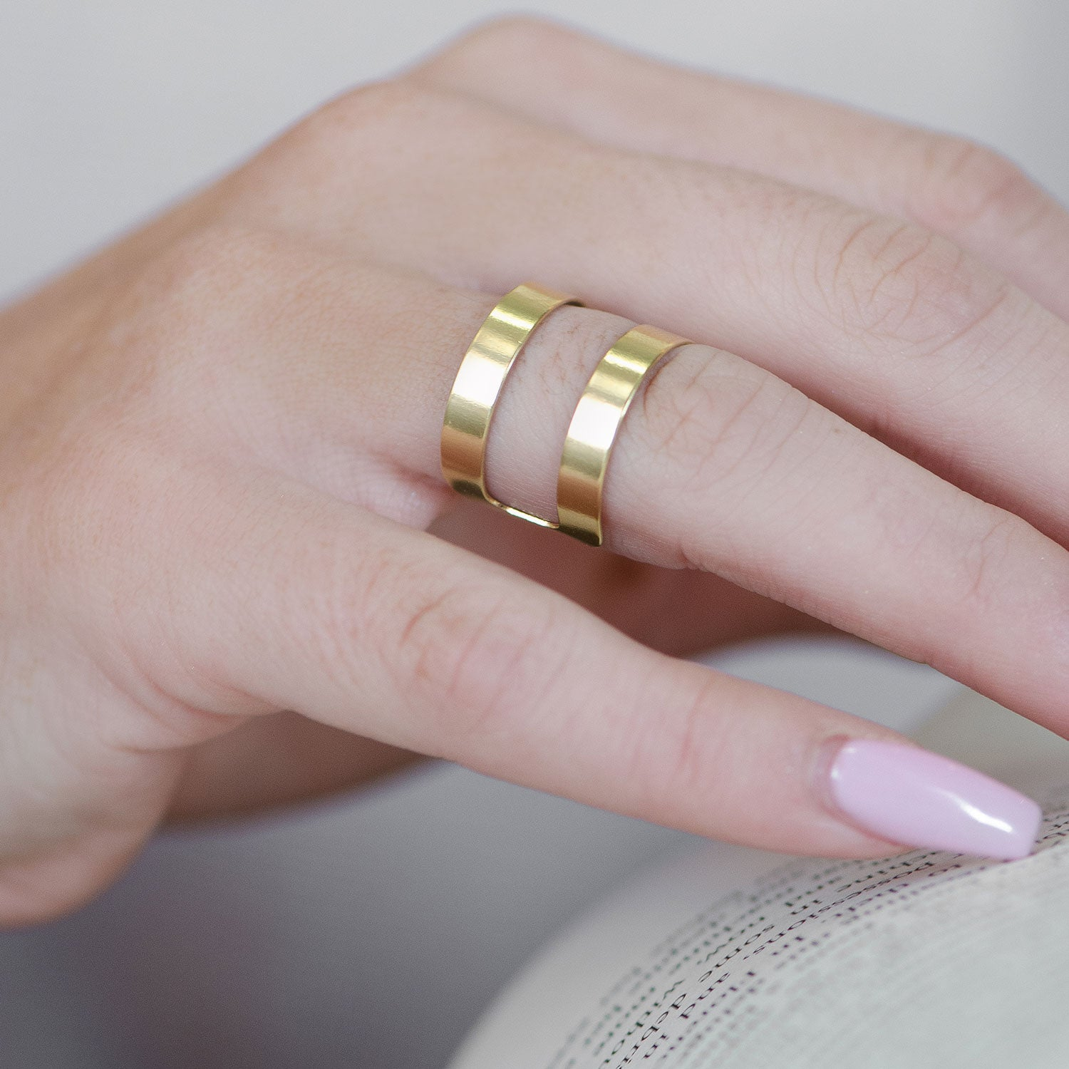 Moon and Lola - Vigo Ring with gold double band