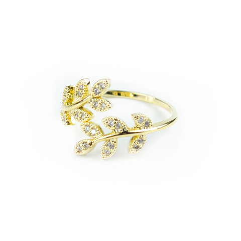 I found this at #moonandlola! - Fleur Ring