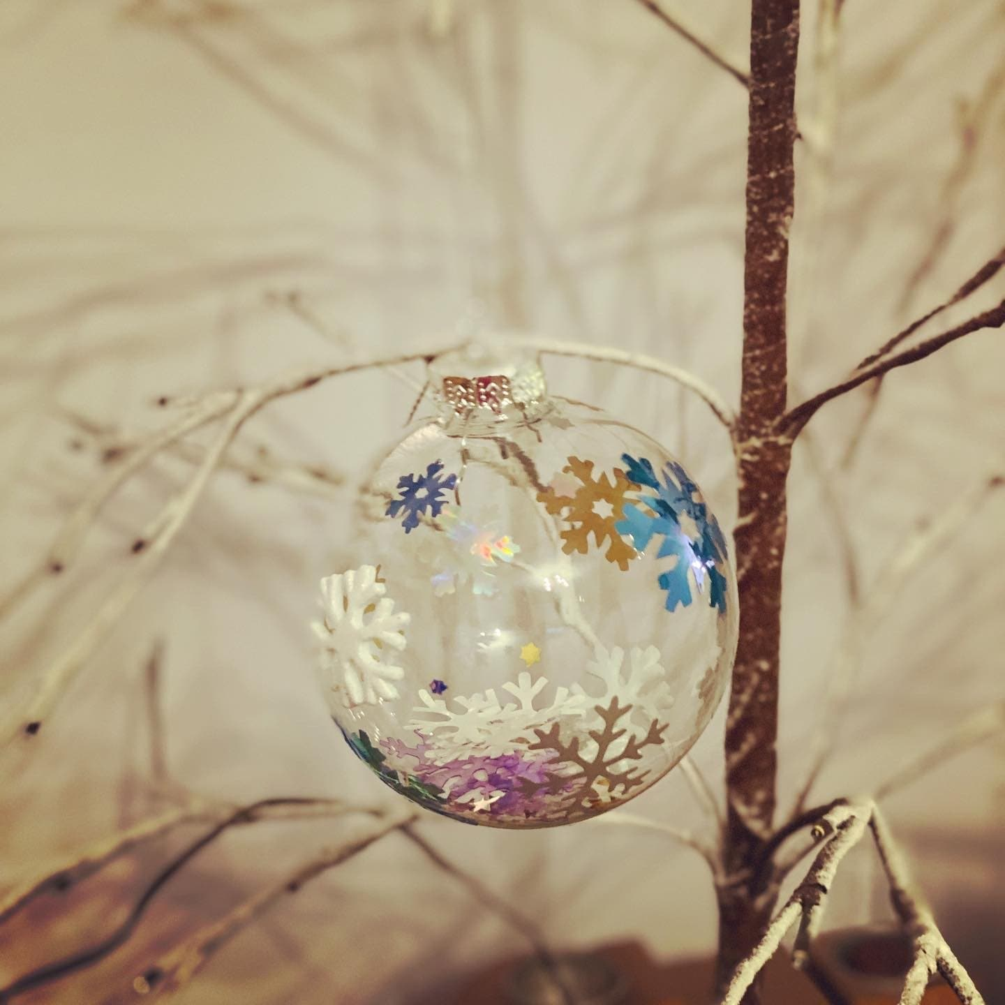 Snow flake Bauble - Pugglewick Candles