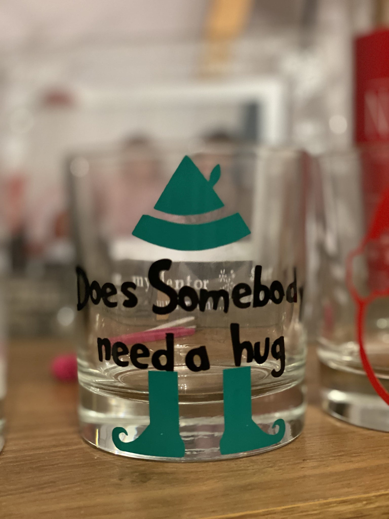Does Somebody needs a hug candle 30 ml