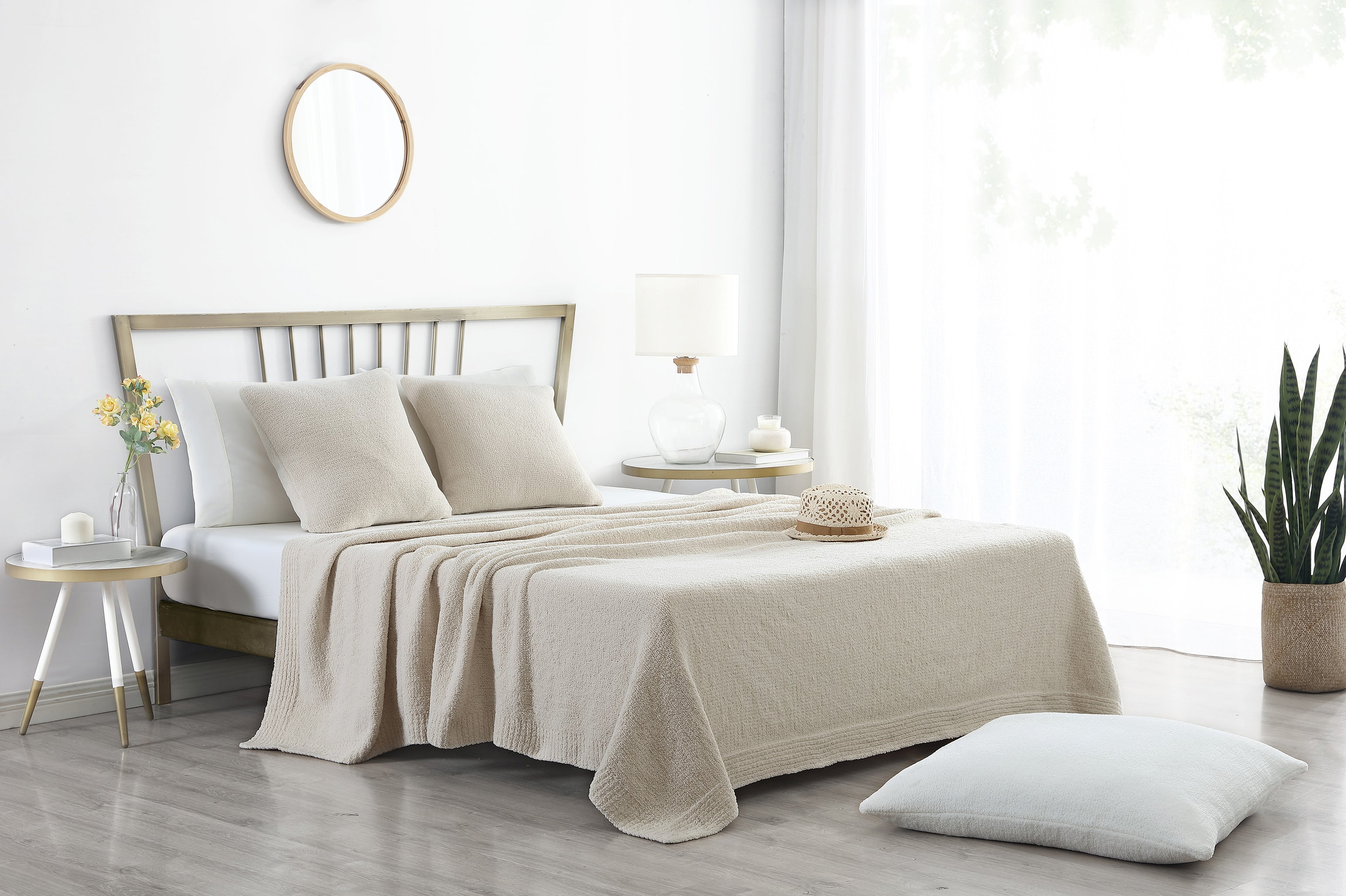 Snug Bed Blanket in Sahara Tan