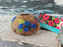 Load image into Gallery viewer, Felted Blueberry bowls