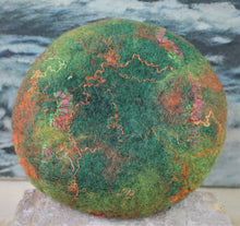 Load image into Gallery viewer, Woodland Moss Felt Bowl