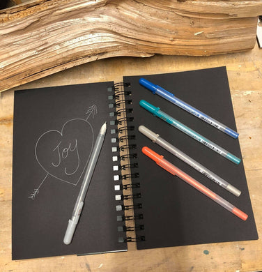 Black Paper and 5 GellyRoll Pens doodle set