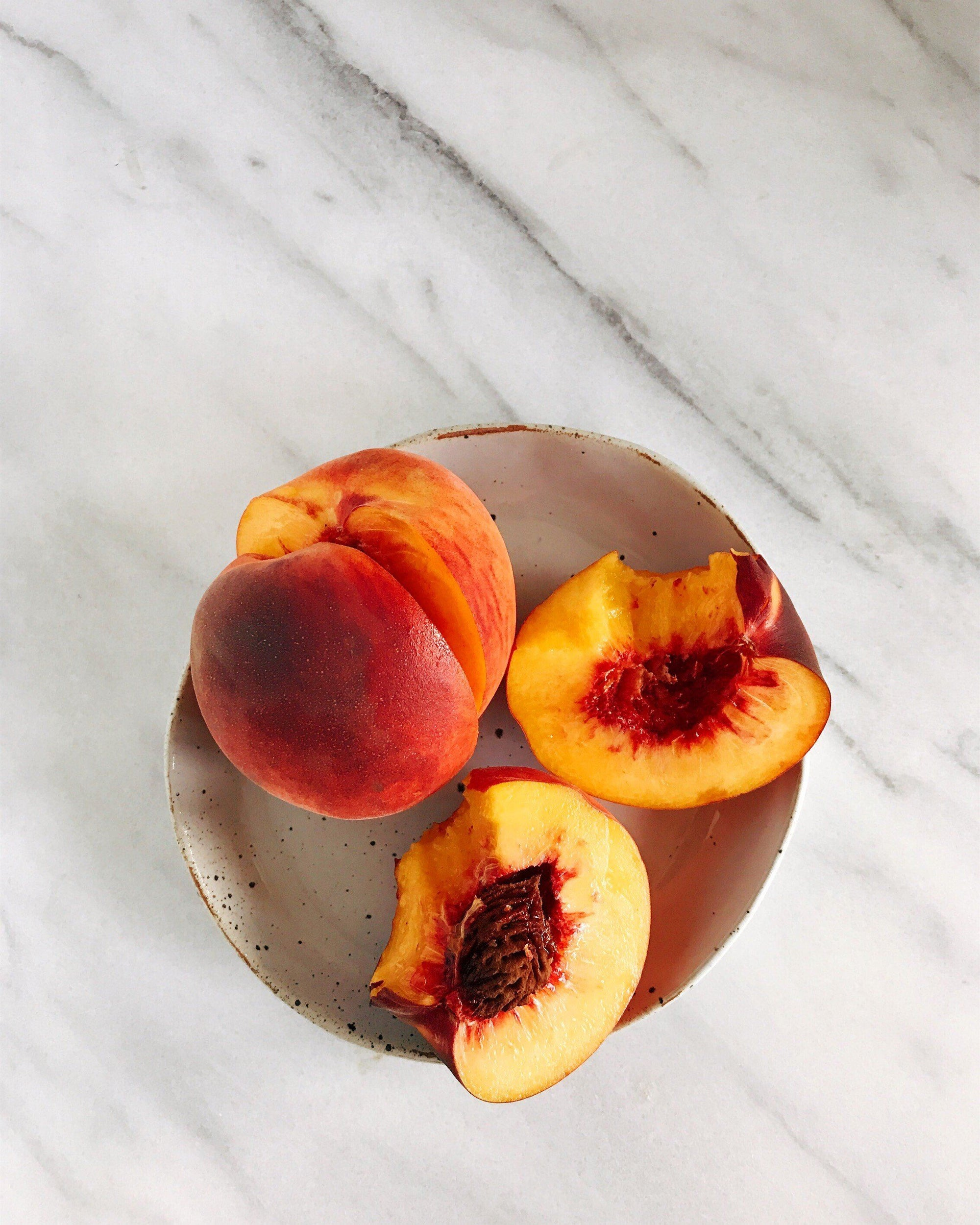 3 Signs of a Sweet and Juicy, Ready to Eat Peach