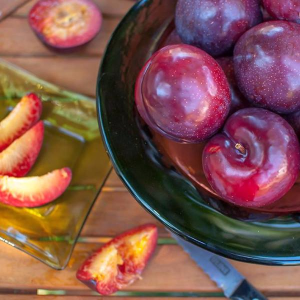 Gotta Have My Plums and Pluots | Organic Fruit Delivery