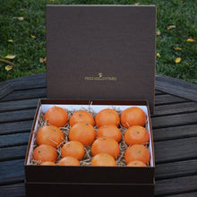 Load image into Gallery viewer, Organic Mandarin Gift Box
