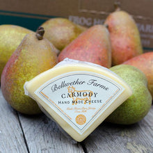 Load image into Gallery viewer, Organic Pears & Cheese Gift Pack | Organic Pears