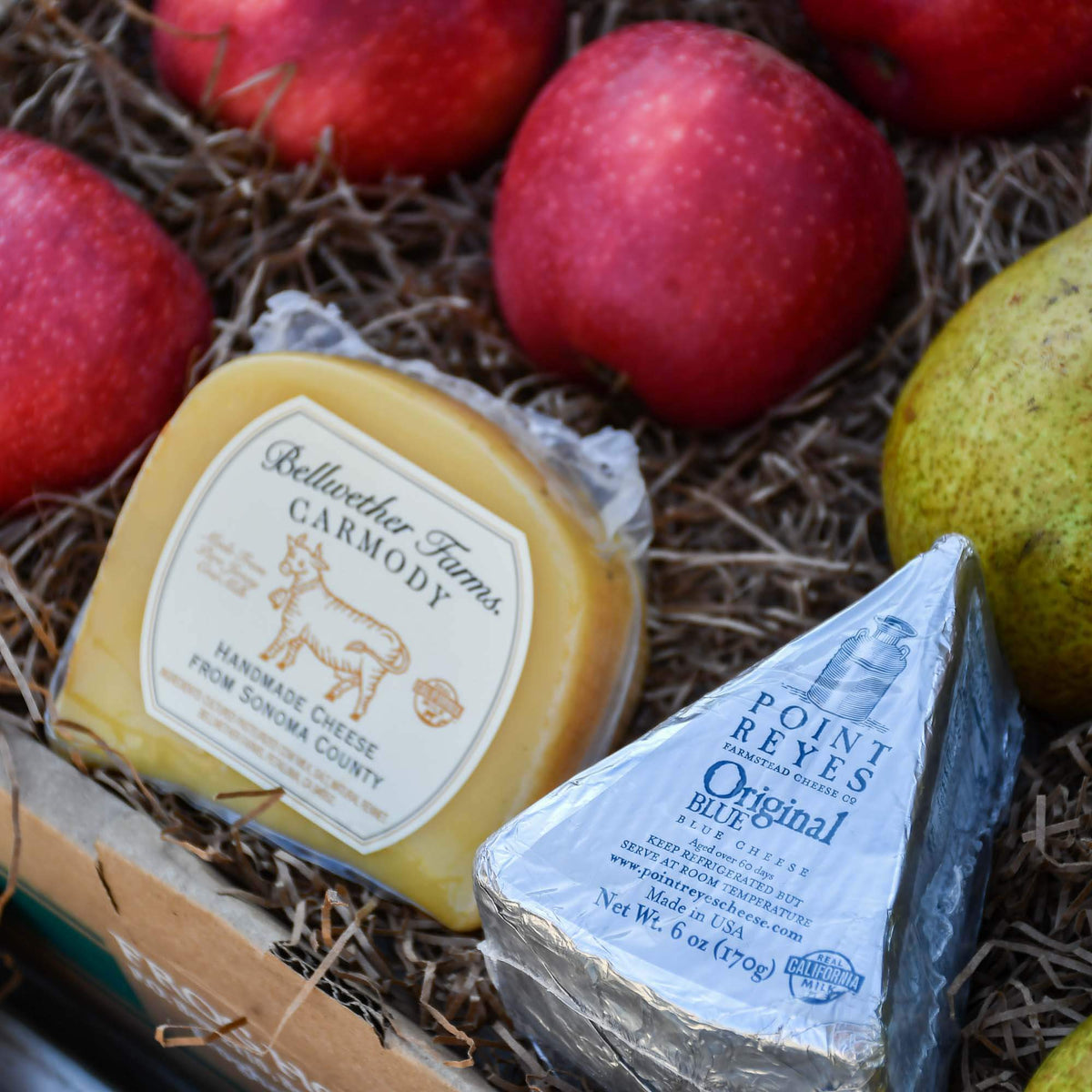 Warren Pears, Apples & Cheese Box