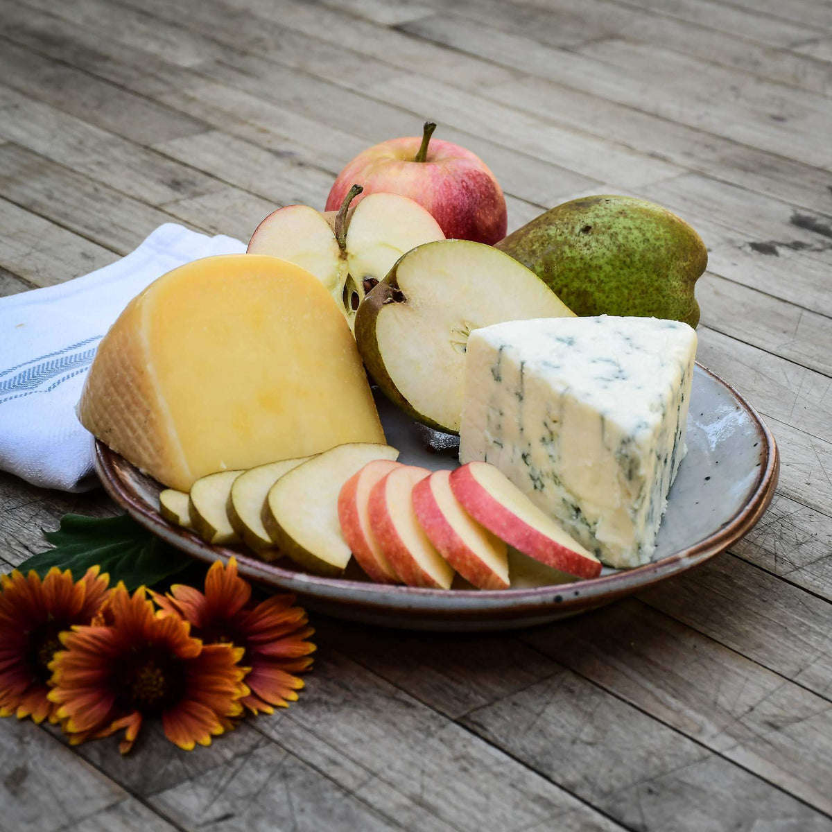 Pears, Apples & Cheese Box