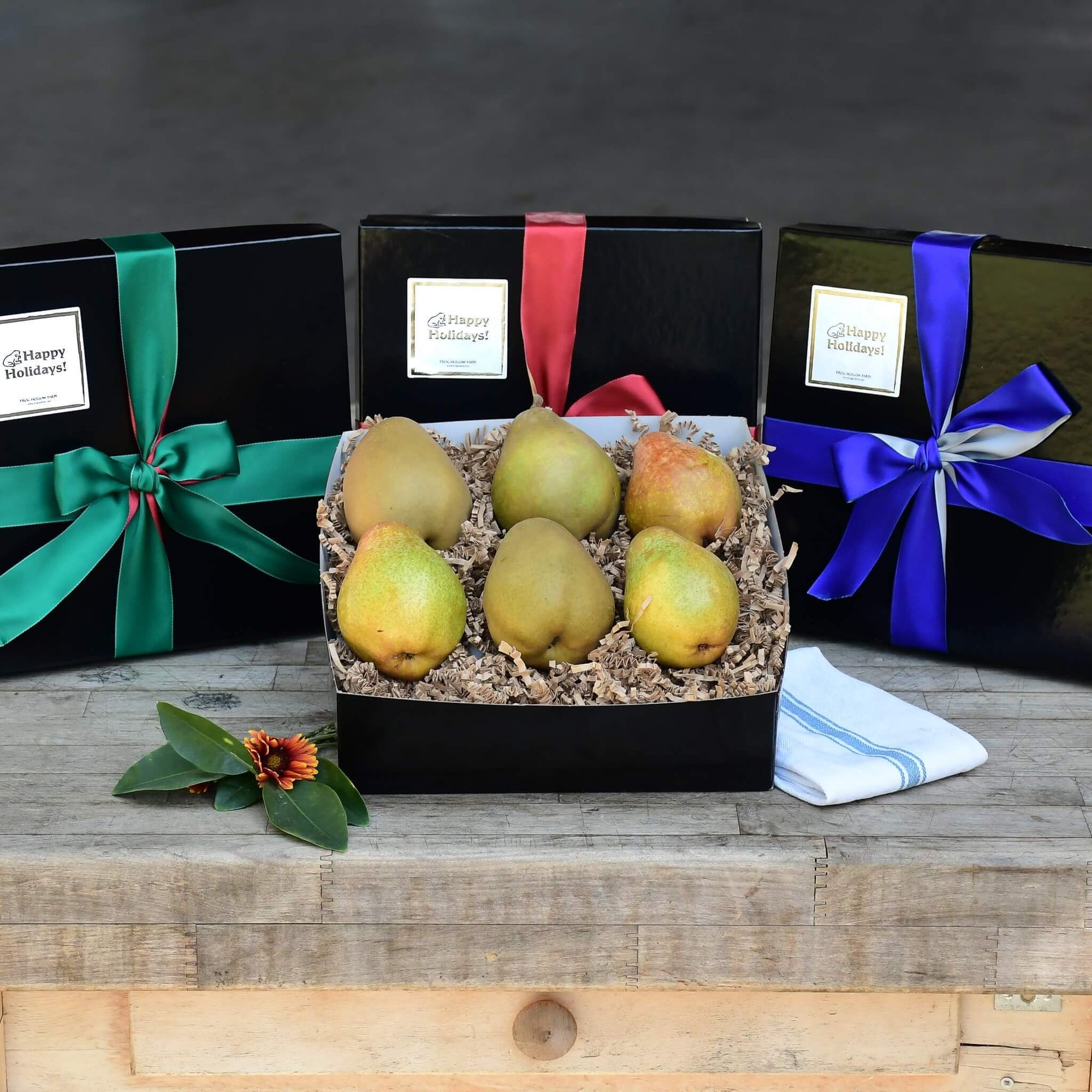 Organic Warren Pear Holiday Gift Box