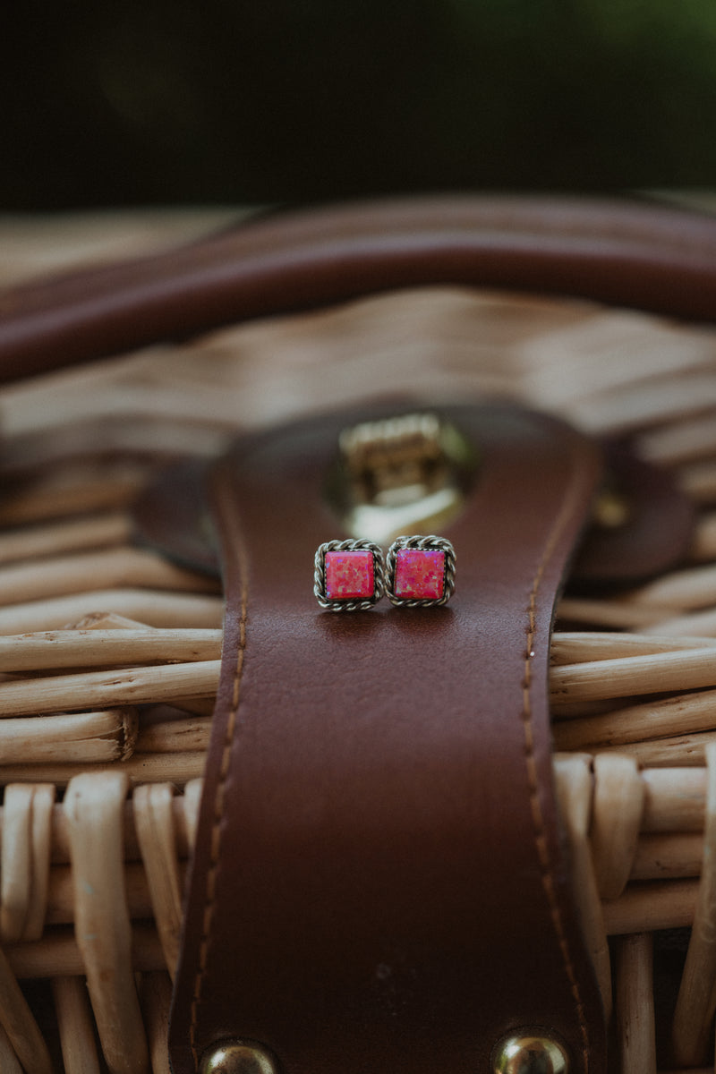 The Calliope | Pink Square Rope Stud