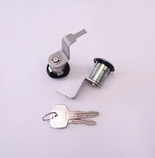 Door Lock Cylinder Set With Keys 77-78 280Z