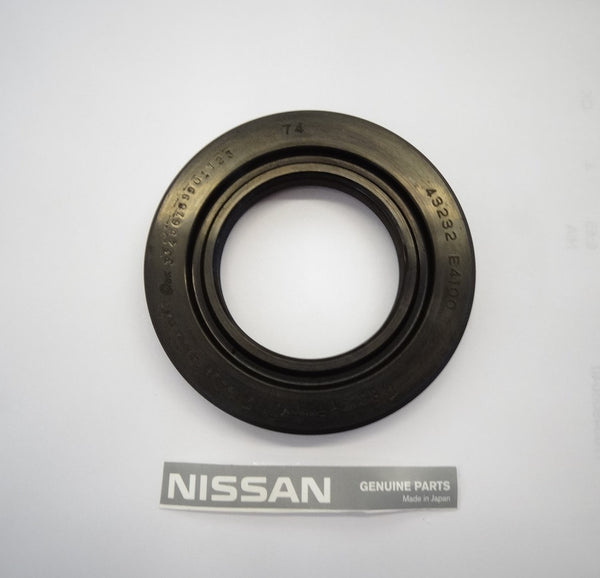 Rear Outer Axle Shaft Wheel Bearing Seal OEM 510 280ZX
