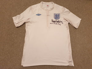 England Home Shirt 2010 Signed Trevor Brooking XL