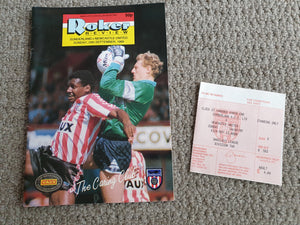 Matchday Programme Sunderland v Newcastle Utd 1989/90 inc match ticket