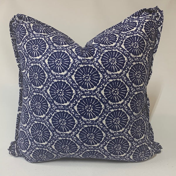 Traveled Organic Pillow with Flat Flange TO1009