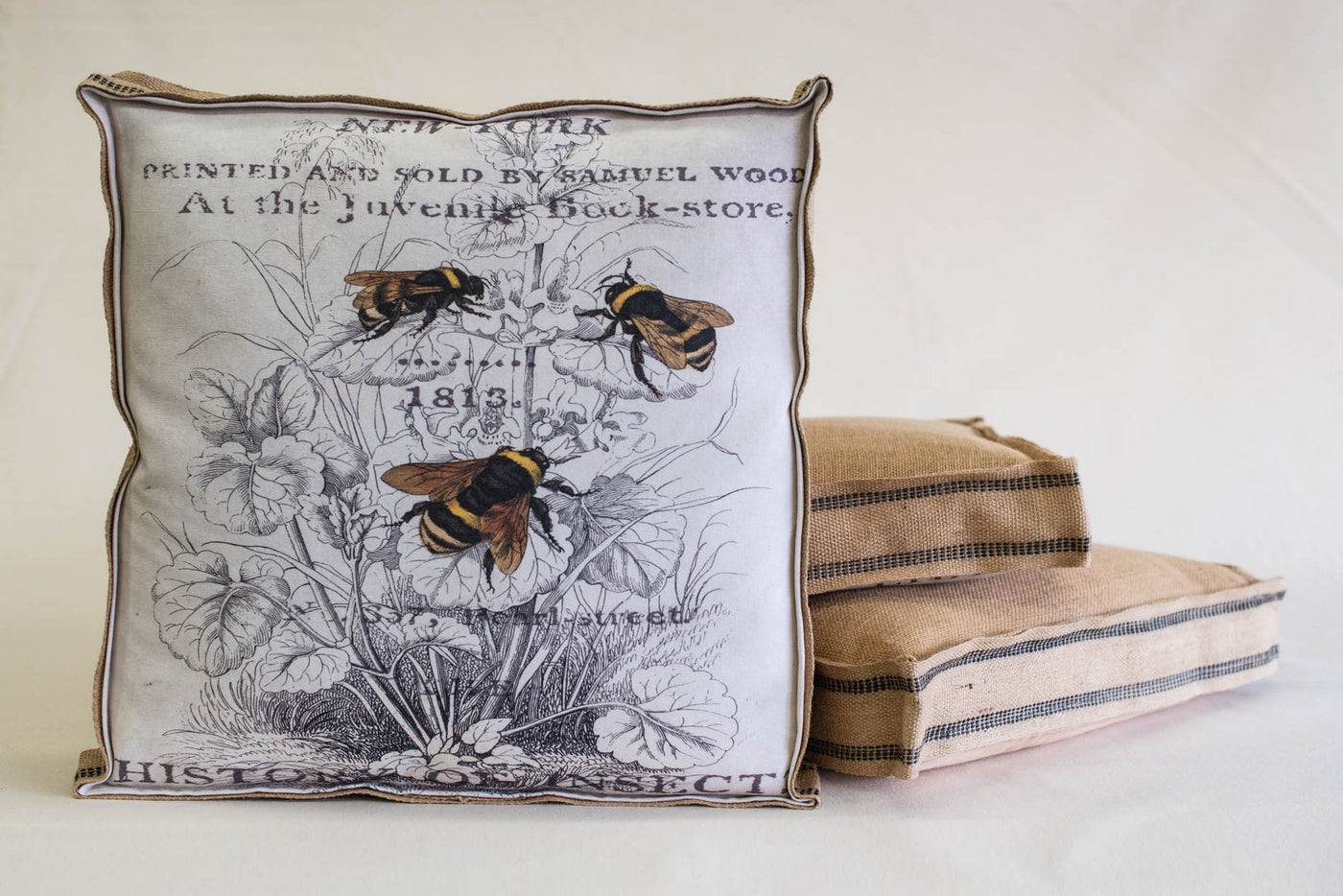 Single Layered Pillow 3 Bees