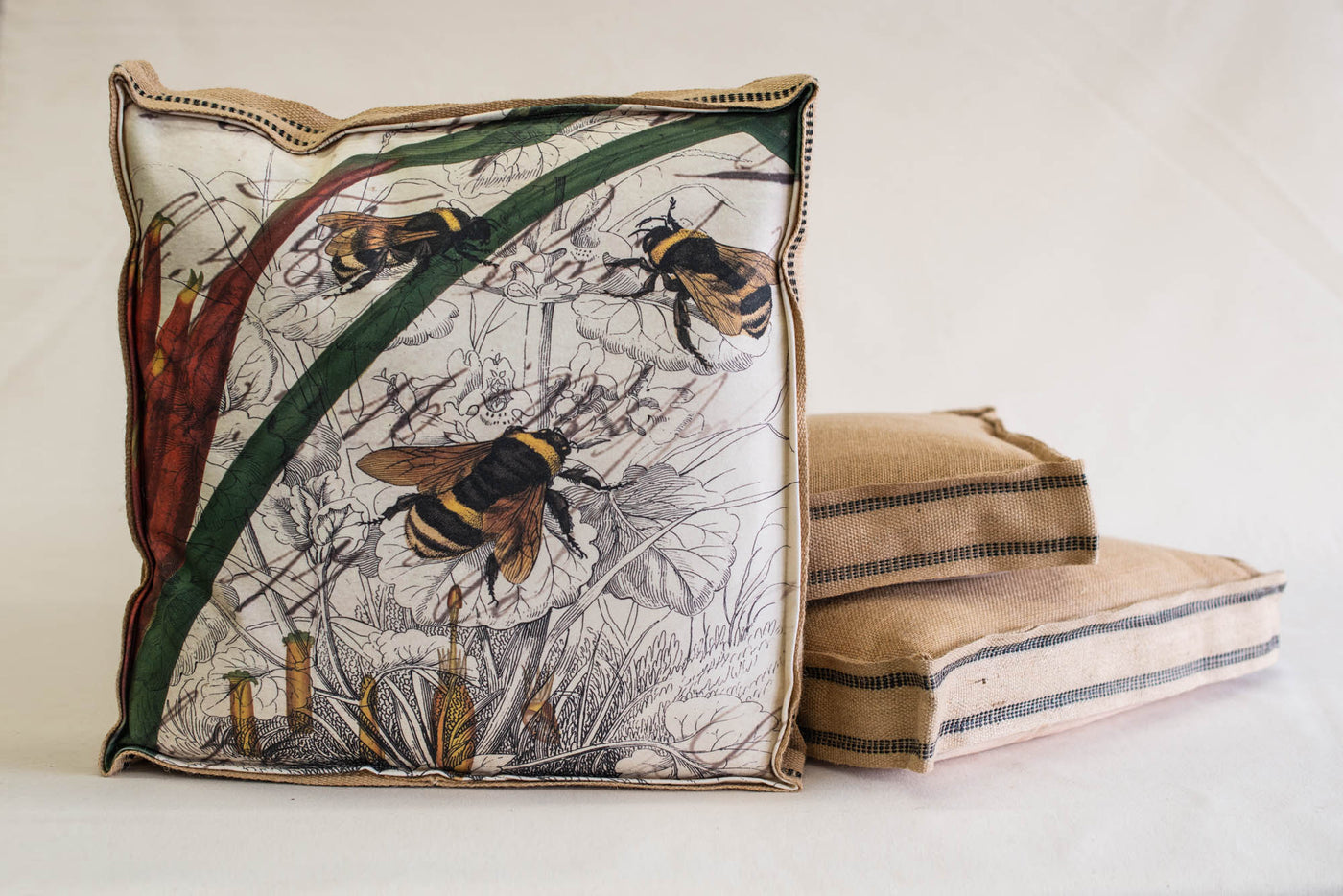 Single Layered Pillow 3 Bee Collage