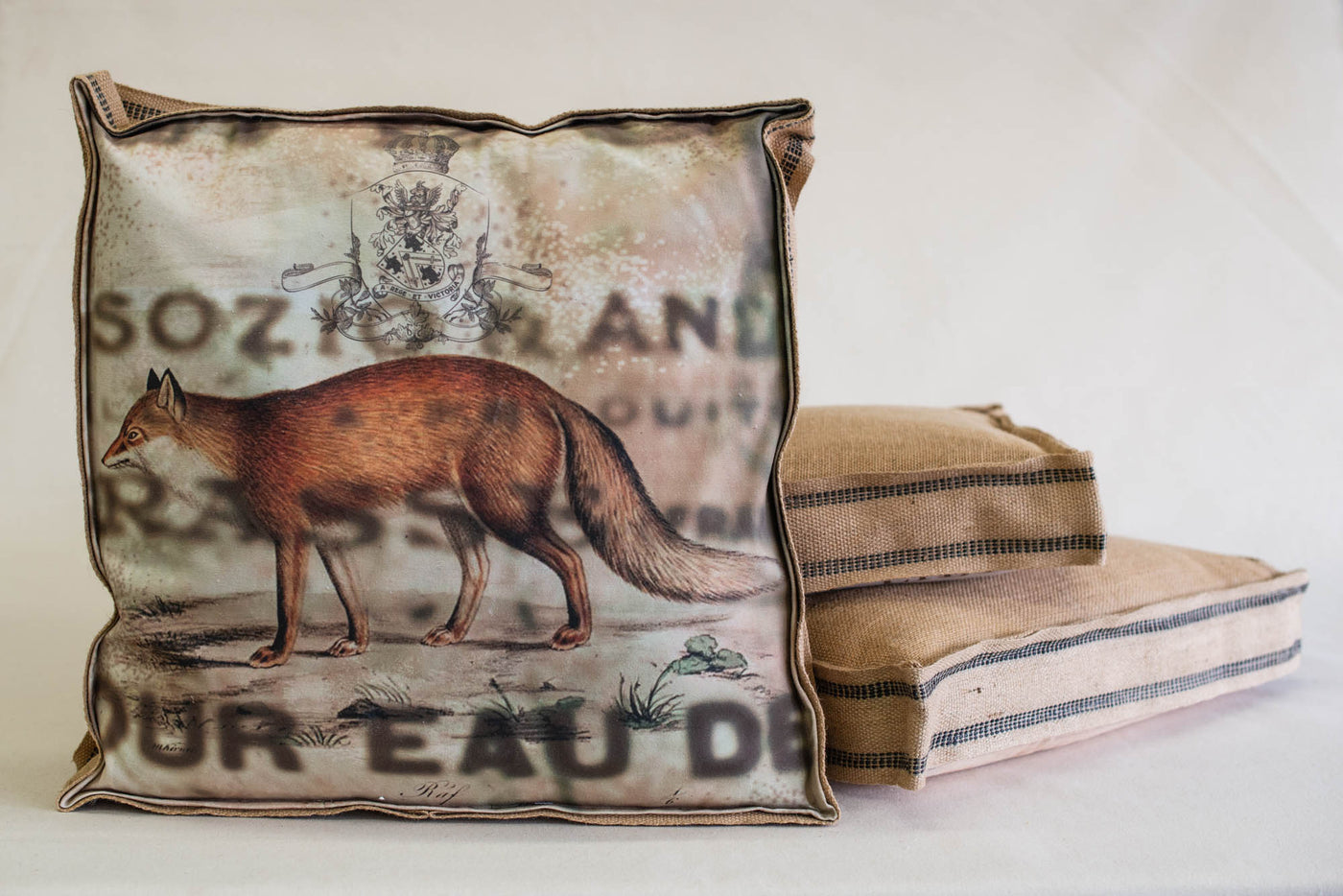 Single Layered Pillow Crest Fox