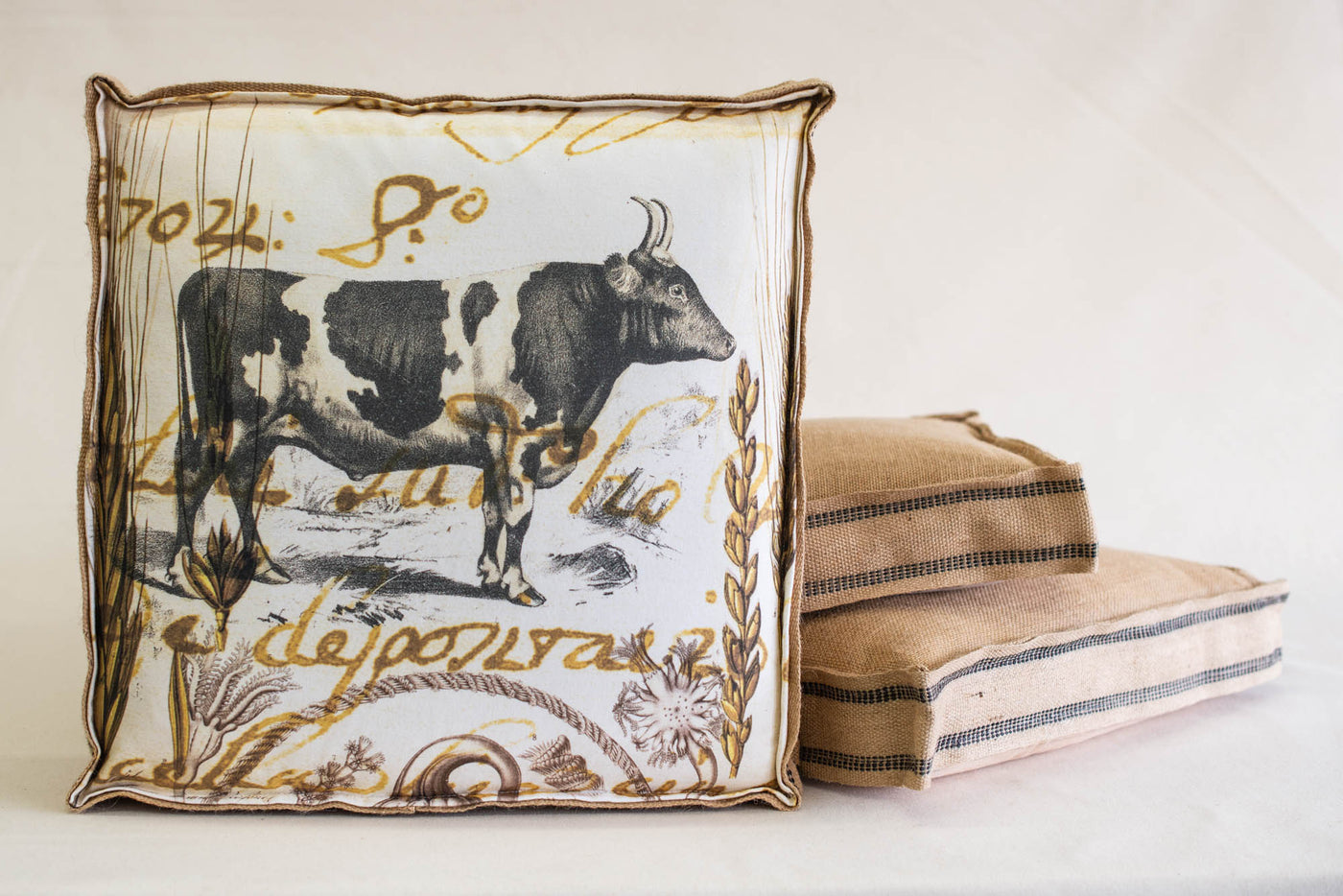 Single Layered Pillow Black White Bull