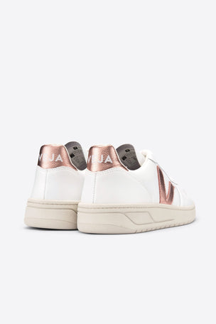 Veja V-10 Extra White Nacre | Women's image 3 - The Sports Edit