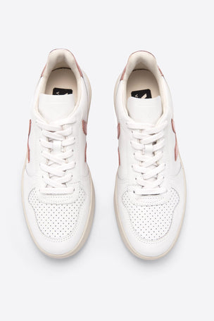 Veja V-10 Extra White Nacre | Women's image 2 - The Sports Edit