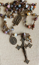 Load image into Gallery viewer, Heirloom Rosary