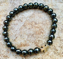 Load image into Gallery viewer, Men's Hematite and Silver Cross Bracelet