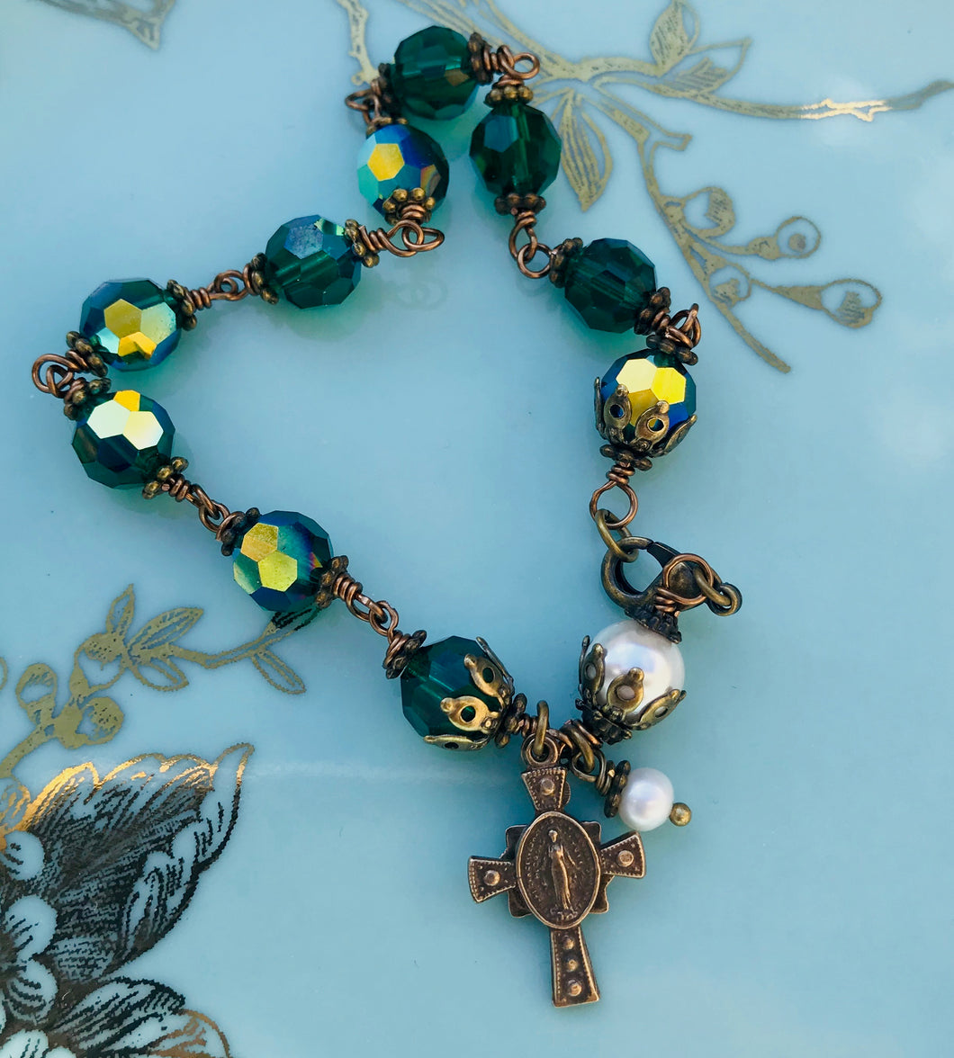 Emerald Green Swarovski Crystal and Pearl Rosary Bracelet