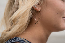 Load image into Gallery viewer, Gold Fish Earrings
