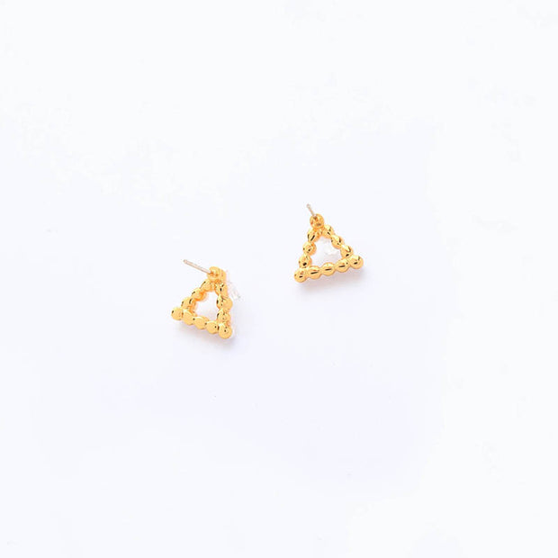 Pearl w/ Diamond Pyramid Studs