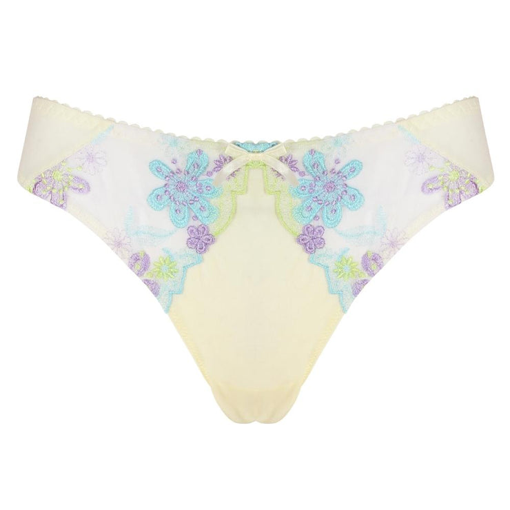Little Women Hari Thong