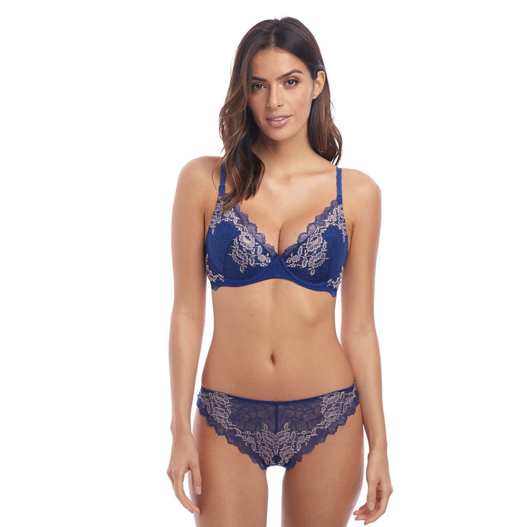 Lace Perfection Plunge Push Up Bra Set