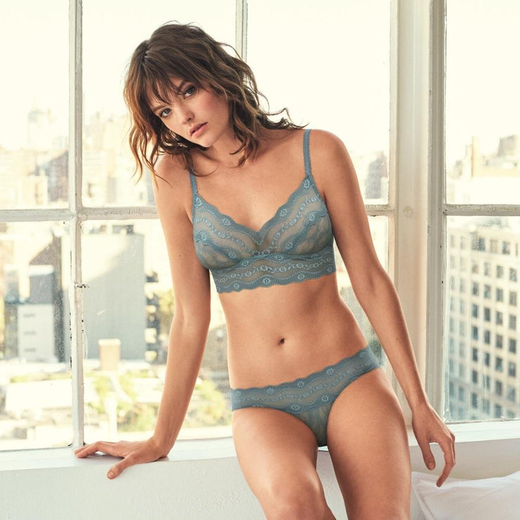 B.Tempt'd Lace Kiss Bralette - Blue Smoke