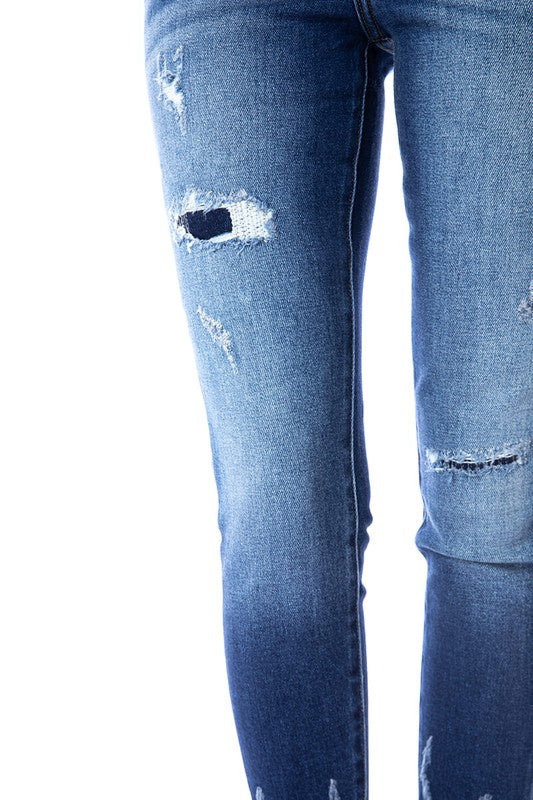 Patches and Frayed Hem Skinny Jeans
