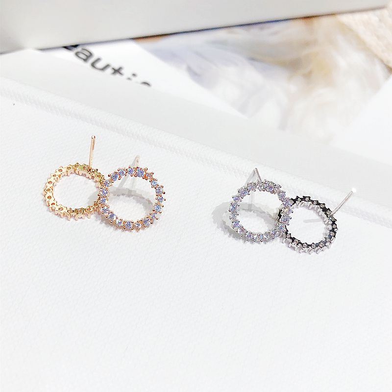 Delicate CZ Circle Wreath Stud Earrings - 2 Colors