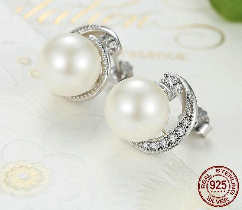 Grade AAA quality Pearl in Sterling Silver with pave Cubic Zirconia