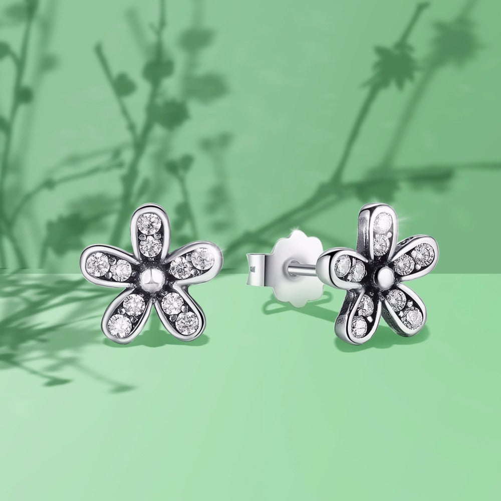 Lovely .925 Sterling Silver Daisy Stud Earrings With Clear CZ setting